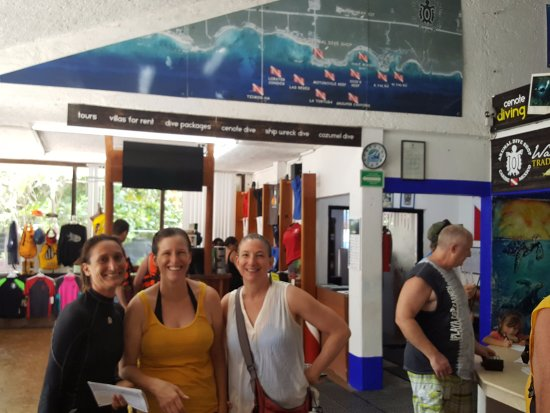 Akumal Dive Shop : Gina (left) with my sisters in the dive shop. One sister with 100+ dives, one total newbie.