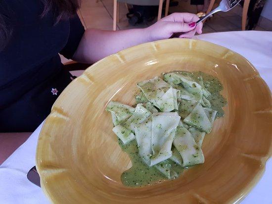 Cibo : flat pasta with fresh pesto main