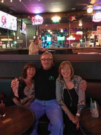 Harry's Night Club & Beach Bar: photo0.jpg
