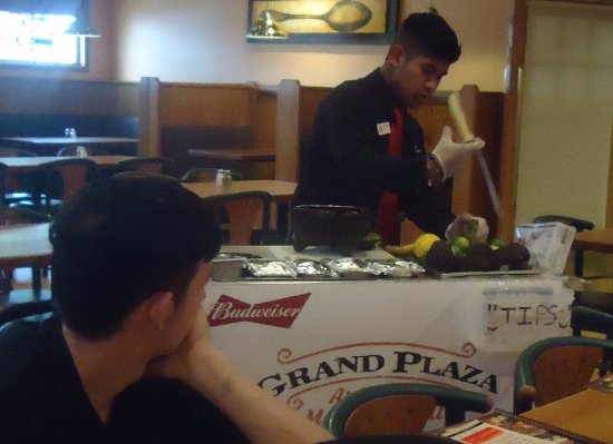Bryan, OH: Making Guacamole