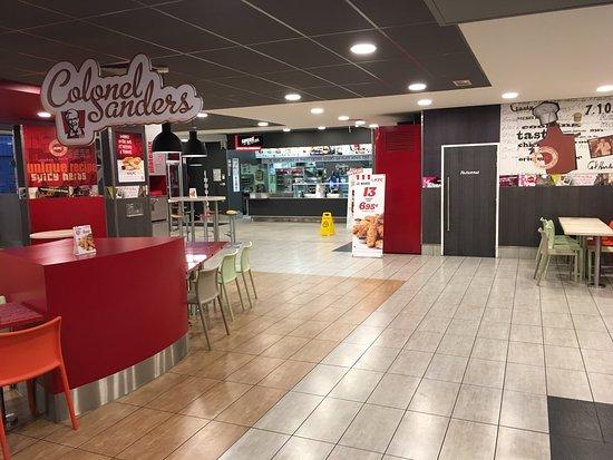 Kfc fried chicken joint 38 rue de la talaudiere in for Restaurant la talaudiere