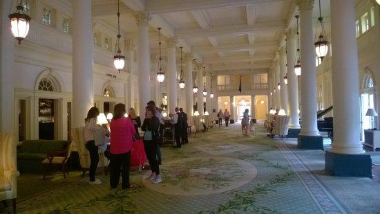 Hot Springs, VA: Main Lobby