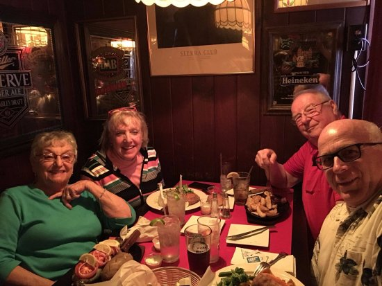 Belvidere, NJ: Dinner at Red Wolf