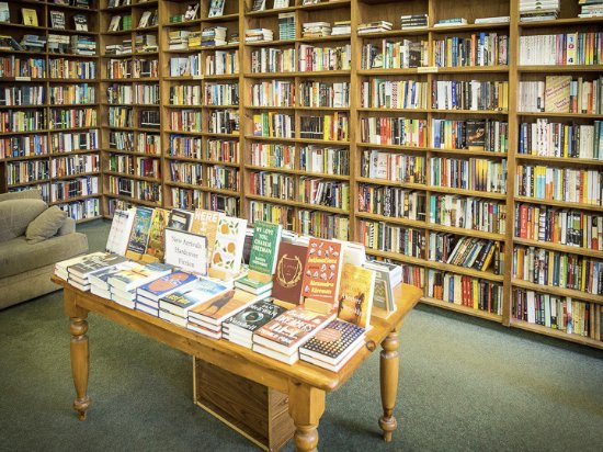 Amherst, MA: Books galore for browsing and borrowing