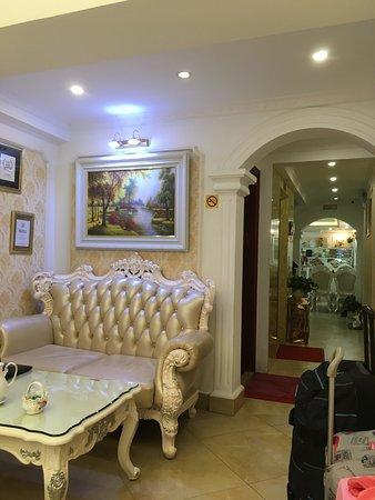 Nhà nghì Hanoi Guest House Royal: photo0.jpg