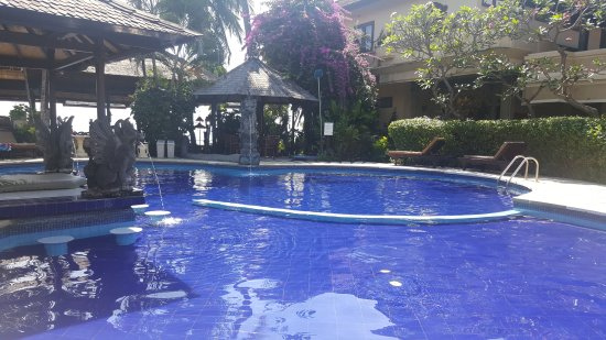 Adirama Beach Hotel: 20170531_110302_large.jpg
