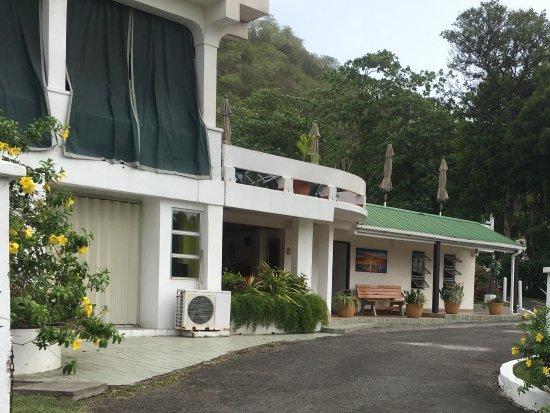 Excellent hotel in Grand Anse and local to everything
