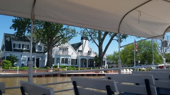 Vermilion, OH: Beautiful Homes On The Mystic Belle Tour