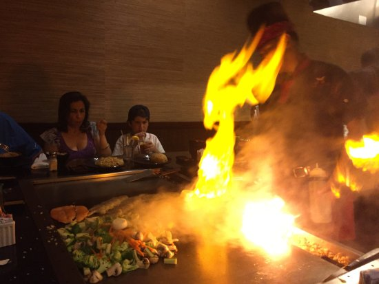 Shogun Japanese Grill Sushi: Salteado