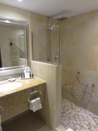 Barcelo Aruba Royal Level Bathroom With Rain Shower
