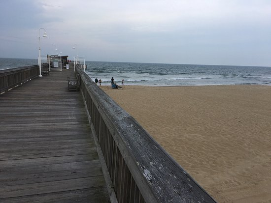 Sandbridge little island fishing pier virginia beach for Fishing piers in va