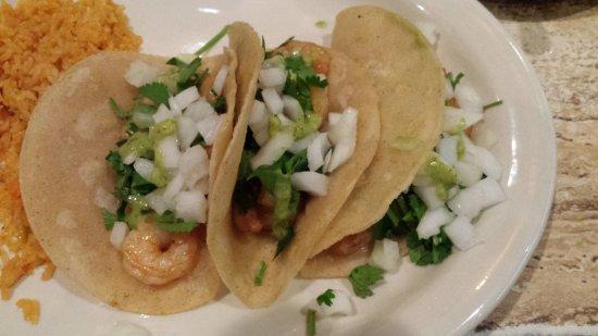 Salsa's: Shrimp Tacos