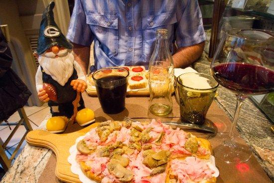 Bar Da Gino: Papa Packer loves some bruschetta