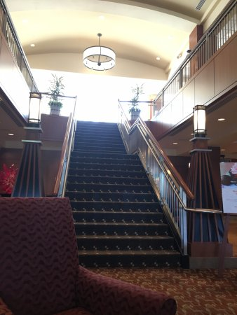 The Blackwell: Stairs in lobby