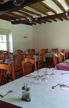 La Roue Aux Bieres: Restaurant interior