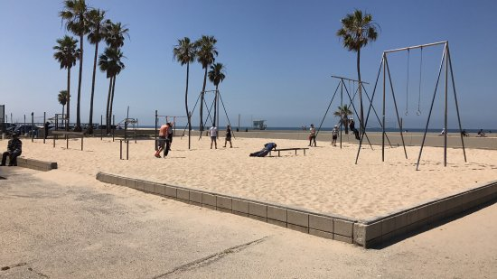 Muscle Beach: Not very busy on Thursday lunchtime...