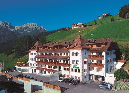 Berghotel Zirm Photo