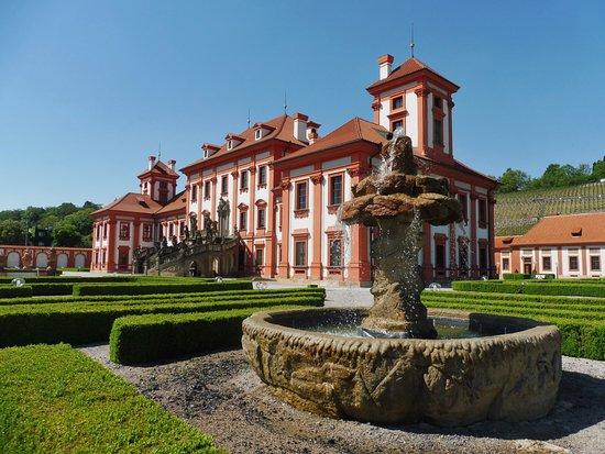 Zámek Troja: Il castello