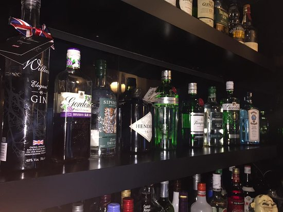 Edingley, UK: Gin Shelf