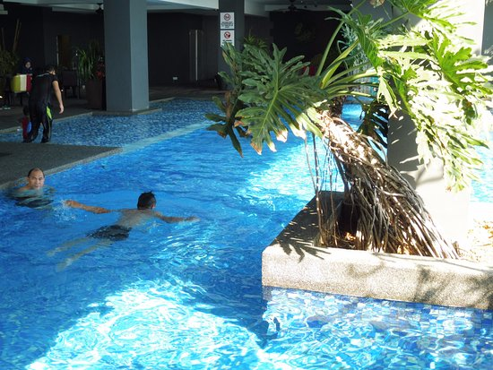 The Hotel Pool Picture Of The Waterfront Hotel Kuching Tripadvisor