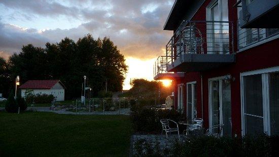 Poseritz, Niemcy: Abendstimmung auf der Terrasse.