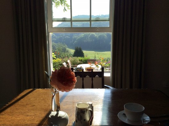 Llandogo, UK: View from the breakfast room