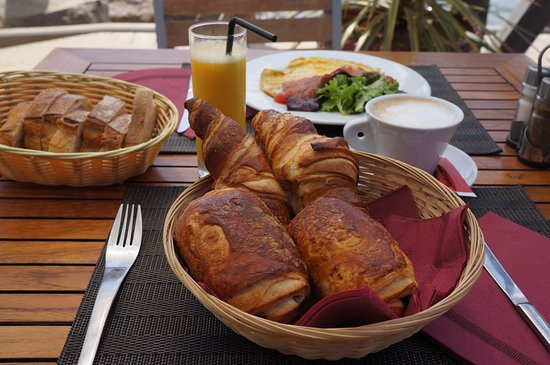 Plage Manava : Petit Dejeuner au Manava Plage