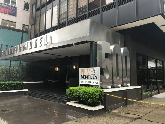 The Bentley Hotel: front of hotel