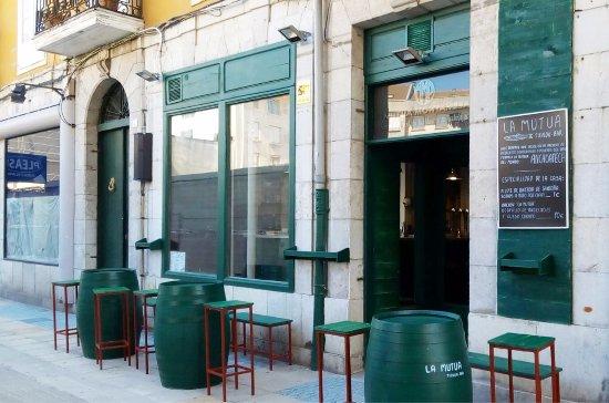 imagen La Mutua Tienda-Bar en Santoña