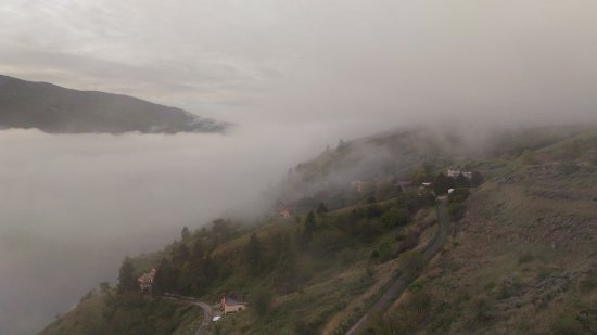 Okanagan Valley, Kanada: 雲霧飄渺