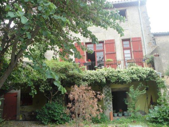 Alet les Bains, Frankrig: Façade côté jardin