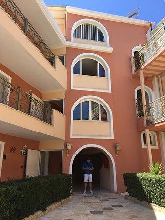 Ontbijt picture of balcony hotel tsilivi tripadvisor for The balcony zante
