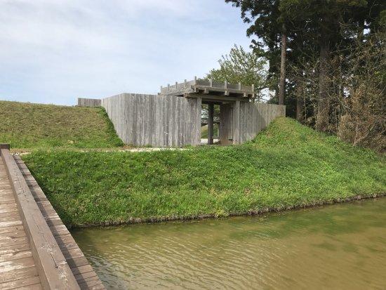 Tainai, Japan: 虎口が推定復元されています。