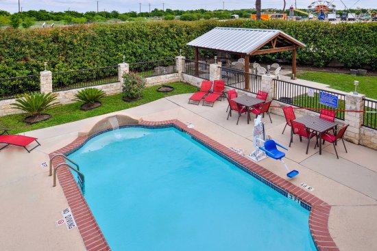 Buda, TX: Pool