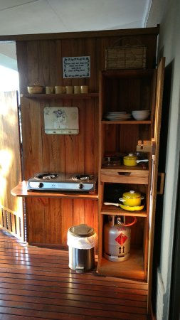 Sabie, Sudafrica: Balcony store cupboard and cooker