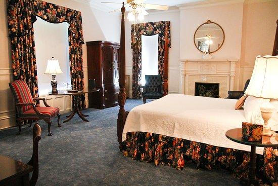 Graystone Inn: Mrs. Bridgers Room
