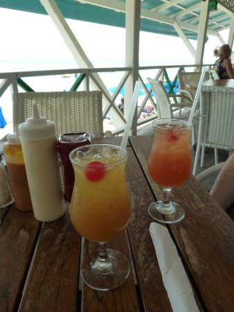 Mullins, Barbados: Two of the rum cocktails that we enjoyed