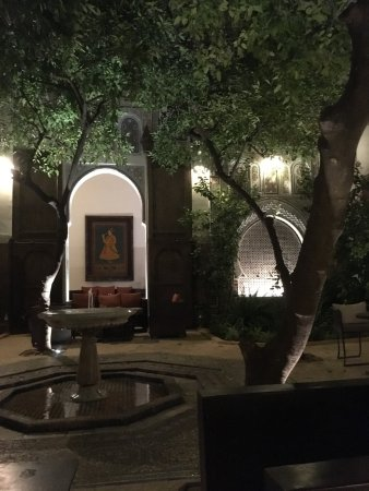 Riad Laaroussa Hotel and Spa: The stunning garden