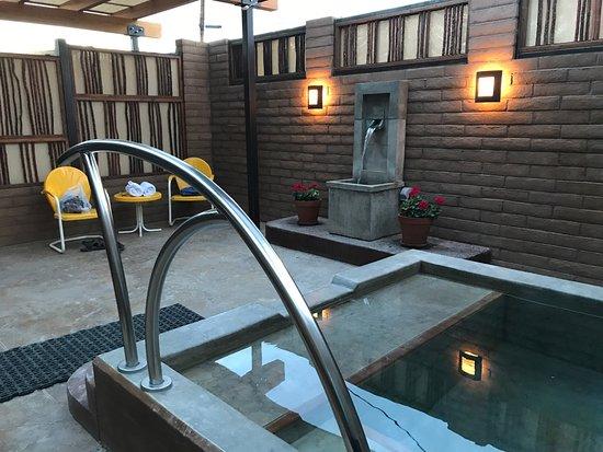 Blackstone Hotsprings Lodging & Baths: photo0.jpg