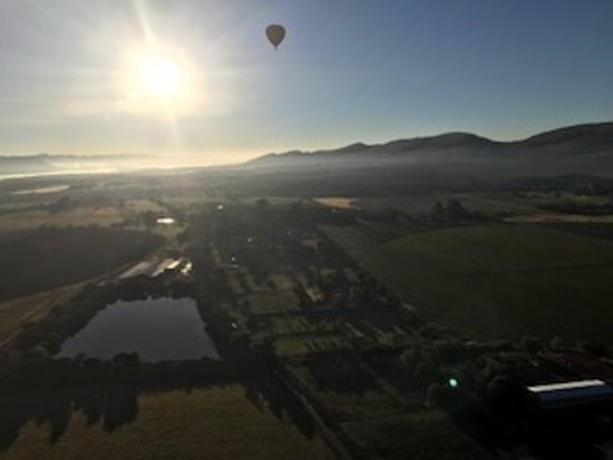Magaliesburg, South Africa: The other balloon across the way.