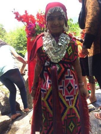 Arv Holidays - Same Day Taj Mahal Tour: Himalayan Dress near falls