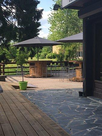 Le Chesne, ฝรั่งเศส: Relax on est bien sur la terrasse 😀😀