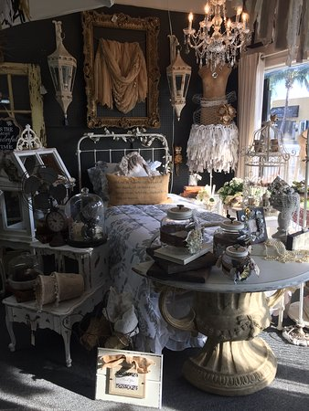 ‪‪Dania Beach‬, فلوريدا: Vintage Market & Salvage Co  --Shabby and Farmhouse style‬