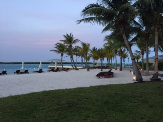 Blue Haven Resort: Beach at sunset