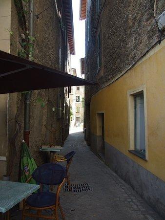 Sospel, Frankrig: C'est réservé aux piétons je pense
