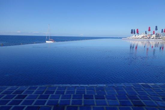 infinity pool bild von marina suites puerto rico tripadvisor. Black Bedroom Furniture Sets. Home Design Ideas
