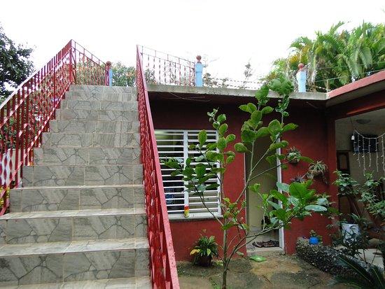 Villa Haydee Chiroles: Jardín