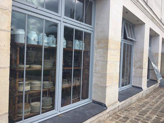 photo3.jpg - Picture of Salon de The du Jardin des Roses, Compiegne ...