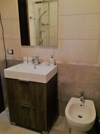 Bagno nuovo. New bathroom - Picture of Cugi Bed and Breakfast, San ...
