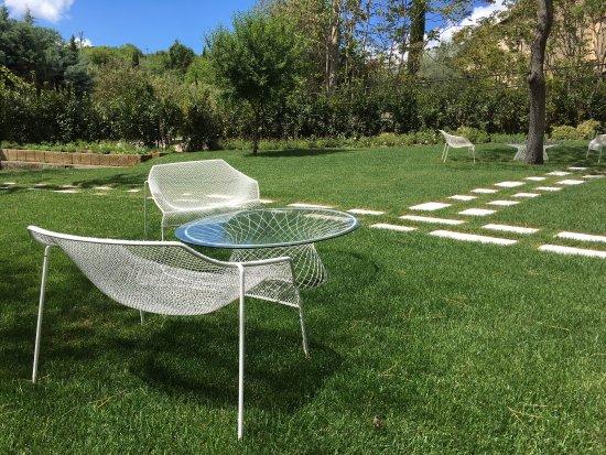 Albergo Posta Marcucci: 1. Spinnweben  2. Garten/Pool 3. Mittags 4. Garten